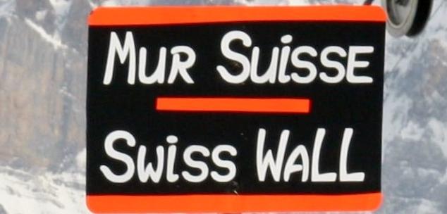 Le patron  de la Banque nationale suisse a dérapé. Philipp Hildebrand, pris dans un scandale de délit d'initié sur la parité du Franc suisse a dû démissionner.