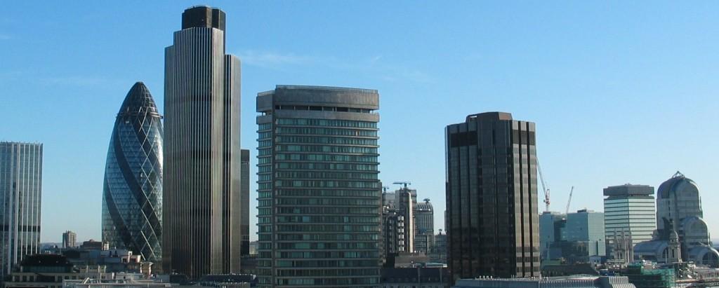 La vulnérabilité des banques (ici à la City de Londres, inquiète toujours les autorités internationales (photo © GPouzin)