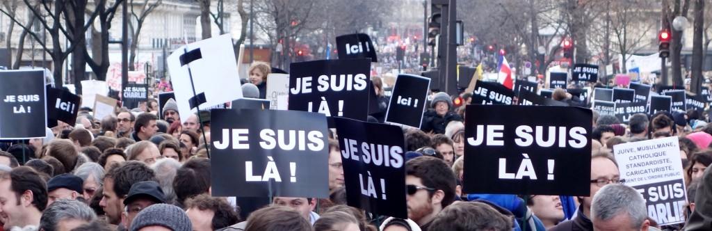 En remontant l'avenue de la République, ici ou ailleurs, nous étions tous là, partout en France et dans le monde, par millions réunis pour défendre la liberté d'expression et la liberté de la presse, en réaction aux attentats de cette morne semaine, dimanche 11 janvier 2015. (photo © GPouzin)