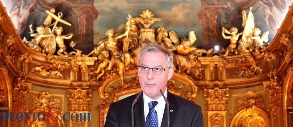 Venu témoigner au procès de François Pérol, le gouverneur de la Banque de France, Christian Noyer, a défendu la nomination de l'ex-secrétaire adjoint de l'Elysée à la tête des Banques populaires Caisses d'épargne, à laquelle il ne voit aucun problème. (photo © GPouzin)